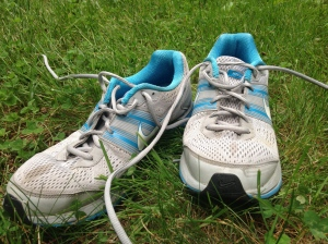 Yes, these are my stained, streetworn running shoes.